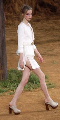 2010 Spring Runway Chanel
