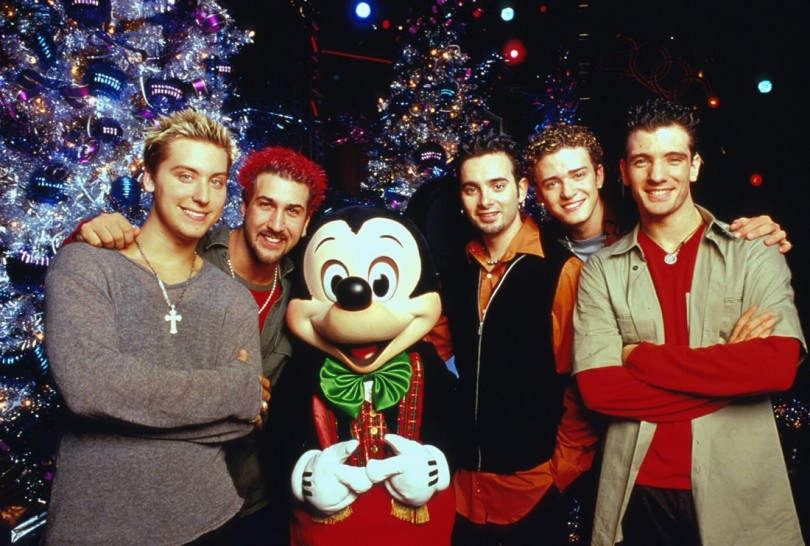 90s Christmas Lights.The 10 Best Holiday Songs From The 90s 29secrets