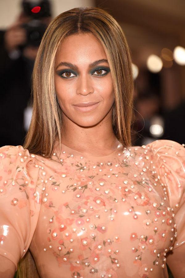 Trending At The Met Gala Futuristic Amp Moody Makeup