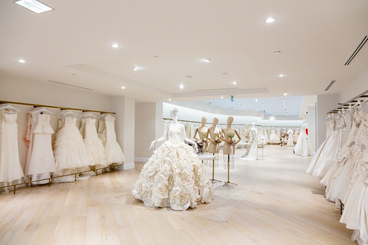 New york city bridal shop kleinfeld opens in toronto for Best stores for dresses for weddings