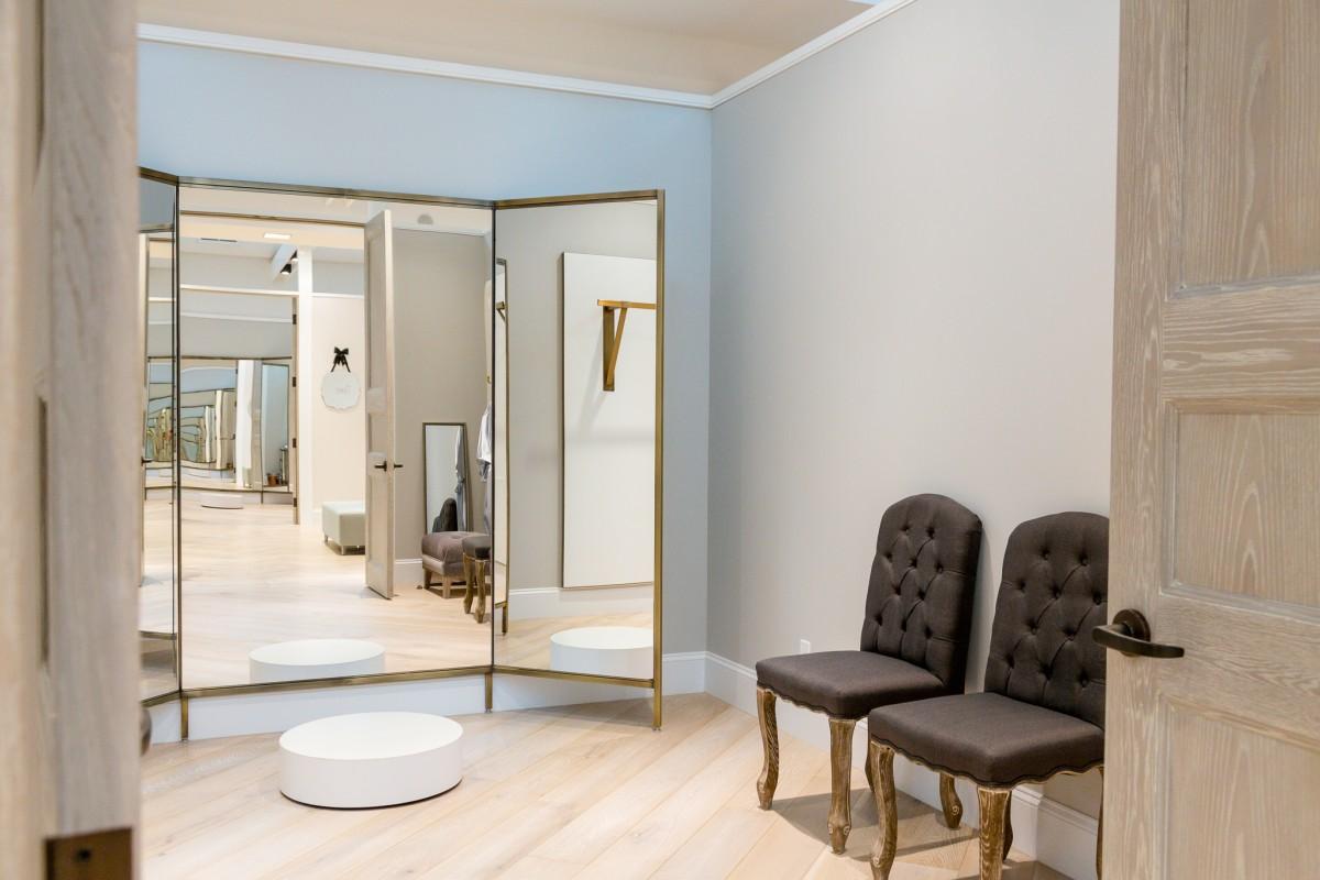 Bridal fitting room - 2 7