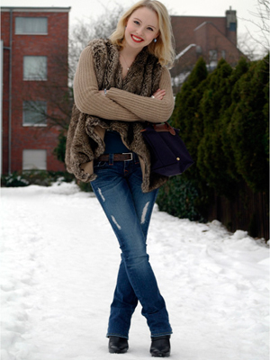 How To Wear Boots With Jeans For Women As for the jeans, skinny jeans tend to be the easiest to wear with riding boots, but you can wear boot-cut or even flared jeans if you know how to tuck them in properly. straight-cut or skinny jeans and then pair with ankle boots or any style.