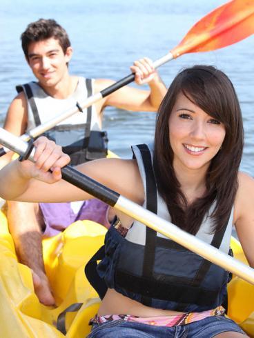 6 Summer Date Ideas: Rent a Paddle Boat - 29Secrets