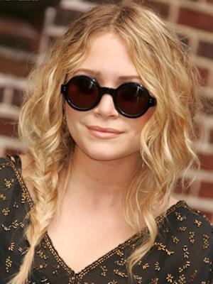 S - Mary-Kate Olsen Round Sunglasses 300x400