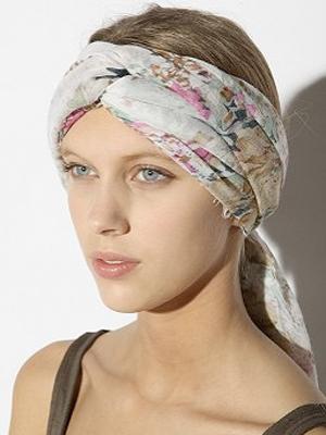 S - UO Headscarf 300x400