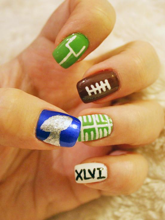 Super Bowl XLVIII Nail Art! - 29Secrets