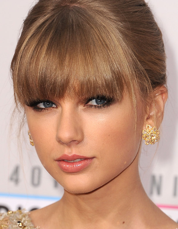taylor_swift_at_the_2012_amas